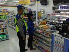 Jelang Bulan Ramadhan Polsek Dagangan Tingkatkan Patroli Di Pertokoan