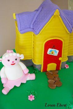 The Baking Sheet: Doc McStuffins Cake!