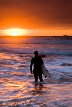 Surfing holidays is a surfing vlog with instructional surf videos, fails and big waves Surfs Up, Sup Yoga, Water Photography, Windsurfing, Laguna Beach, Ocean Waves, Belle Photo, Scenery, Cornwall