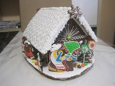 Perníková chaloupka s ježibabou, velká, cena: 750,- Kč Gingerbread, Cake, Desserts, Food, Tailgate Desserts, Deserts, Ginger Beard, Kuchen, Essen