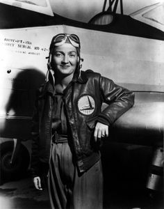 Pilot Nancy Harkness Love beside Aircraft, c. 1942 - Nancy Harkness Love born Hannah Lincoln Harkness, was an American pilot and commander during World War II. Military Women, Military History, Great Women, Amazing Women, Super Women, Pin Up, Female Pilot, Love Is In The Air, Before Us