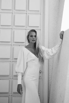 Fitted Silk Gown With Dramatic Balloon Sleeves Gowns With Sleeves, Lace Sleeves, Meghan Markle, Marie Laporte, Leg Of Mutton Sleeve, On Your Wedding Day, Wedding Tips, Baby Wedding, Wedding White