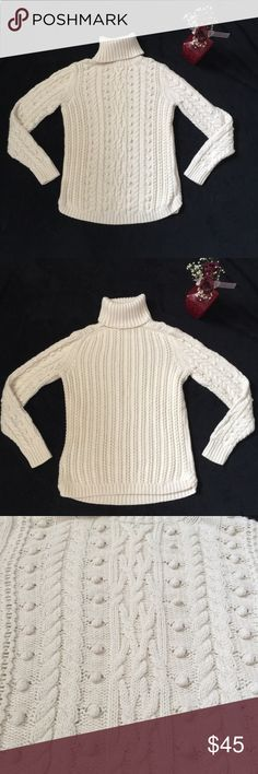 Gap wool blend sweater turtleneck small Excellent condition Gap sweater Still has dry-cleaning tag on it very well taken care of looks brand new Feel free to make me an offer I also have bundle discounts if you want to purchase more than one thing from my closet GAP Sweaters Cowl & Turtlenecks