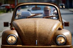 Have you ever driven a wooden car? Have a look at this Volkswagen Beetle!