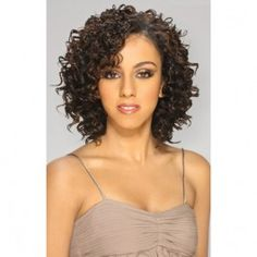 Do you like your wavy hair and do not change it for anything? But it's not always easy to put your curls in value … Need some hairstyle ideas to magnify your wavy hair? Haircuts For Curly Hair, Curly Hair Care, Permed Hairstyles, Winter Hairstyles, Braided Hairstyles, Curly Hair Styles, Natural Hair Styles, Short Hair Cuts, Curly Short
