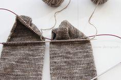 anana: Villasukat pyöröpuikolla varpaista varteen, kaksi kerralla! [kuvallinen ohje] Knitting Ideas, Knitting Socks, Stockings, Accessories, Fashion, Knit Socks, Socks, Moda, Fashion Styles