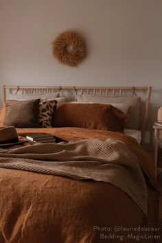 Boho style 706642997767731239 - Style your bed with linen bedding in cinnamon. A subte color suitable for any interior: from boho style to scandinavian style. Source by magiclinen Room Decor Bedroom, Home Bedroom, Bedroom Girls, Budget Bedroom, Bedrooms, Decoration Inspiration, Decor Ideas, Room Ideas, Cozy Room