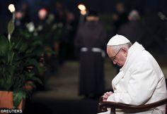 Pape François - Pope Francis - Papa Francesco - Papa Francisco : chemin de Croix 2016 au Colisée