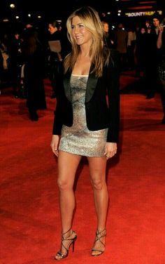 "acesovernines: ""Legendary Jennifer Aniston "" I ❤️ her sexy tight mini dress and high heels, she has long beautiful legs💋💋💋💋💋 Jennifer Aniston Style, Jennifer Aniston Pictures, Beautiful Legs, Gorgeous Women, Simply Beautiful, Beautiful Celebrities, Jeniffer Aniston, Beauté Blonde, Sexy Legs"