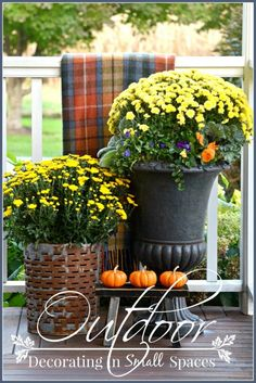 OUTDOOR DECORATING IN SMALL SPACES-Easy to do ideas for decorating small outdoors spaces.