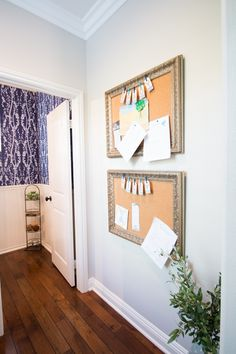 With the onset of a new year comes the desire to be more organized. I am starting with the children and sharing DIY bulletin boards to keep them on track. MichaelsMakers A Thoughtful Place Desk Organization Diy, Diy Desk, Organizing Ideas, Diy Room Decor For Teens, Diy Home Decor, Diy For Girls, Diy For Teens, Teen Bulletin Boards, Teen Desk