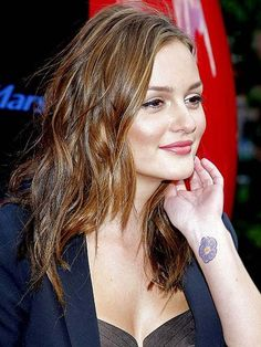 20 Famous Female Celebrity Tattoos and Meanings Leighton Meester Leighton Meester, Wrist Tattoos Girls, Girl Tattoos, Feminine Tattoos, Sexy Tattoos, Famous Tattoos, Tattos, Sleeve Tattoos, Colored Hair Tumblr