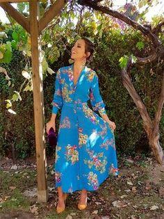 Retro Look, Christian Women, Fashion Sewing, Fashion Outfits, Womens Fashion, The Dress, African Fashion, Looks Great, Wrap Dress