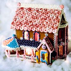 Better Homes and Gardens Victorian GB House.  (could not find on BHG site)  Great roof, cheerios  but red.  #Christmas