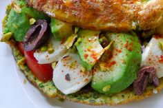 omelet avocado mozzarella tomaat