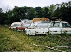 Cadillac ambulances Abandoned Cars, Abandoned Buildings, Abandoned Places, Used Car Lots, Junk Yard, Rusty Cars, Old Buildings, Barn Finds, Ambulance