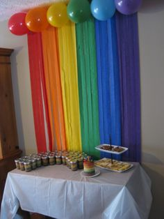 Cute rainbow party backdrop for bridging festivities! - Festa arco íris - rainbow Stills Rainbow Dash Party, Rainbow Unicorn Party, Rainbow Parties, Rainbow Birthday Party, Rainbow Theme, 4th Birthday Parties, Rainbow Party Decorations, Birthday Ideas, Rainbow Baby