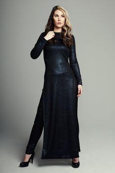 MAISON CYMA - L'Inspirante // Navy metallic pullover open to laterals. // #fashion #readytowear #handmade #ootd #designer #fallfashion #maisoncyma #clothes #clothing