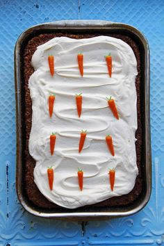 This version of the classic carrot cake is a potluck and bake sale favorite; the addition of crushed pineapple helps to keep the carrot cake sweet and moist. Classic Carrot Cake Recipe, Classic Cake, Summer Cake Recipes, Summer Cakes, Spring Recipes, Holiday Recipes, Köstliche Desserts, Delicious Desserts, Dessert Recipes