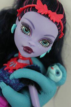 Jane Boolittle.She has a pet...pet....pet...SLOTH!