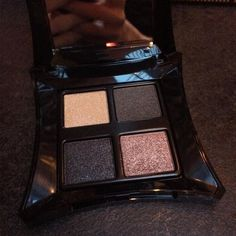 How beautiful is the Celestial Palette part of Equinox the @illamasqua Christmas collection.  The palette contains 4 colours Quell (champagne) and Solace (burnished industrial grey) which are more of a satin finish and Jubilance (polished warm copper) and Orb (black) are more of a intense shimmery finish. #bbloggers #illamasqua #equinox #christmas #christmas2015 #equinoxpalette #quell #solace #jubilance #orb