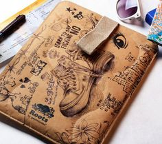 Papernomad iPad Sleeve. The Roots by Papernomad Sleeve is made to protect your iPad. This patented multi-layered paper sandwich is tear resistant, waterproof and - above all - 100% organic.