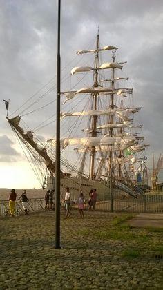 Veleiro Cisne Branco - Marinha do Brasil. Ancorado em Belém-Pará, Brasil.