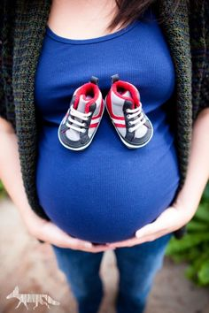 Cute Idea for Baby Bump photos