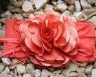 Faixa de meia flor camélia coral