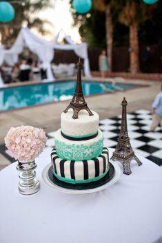 Eiffel Tower Paris theme cake yes please Paris Birthday Cakes, Paris Themed Cakes, Paris Birthday Parties, Paris Cakes, Paris Party, Paris Sweet 16, Sweet 15, Bolo Paris, Eiffel Tower Cake