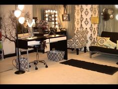 omg I love her room and vanity i would so would love to have my room look like t… - make up room studio Bedroom Makeup Vanity, Makeup Table Vanity, Vanity Room, Makeup Tables, Mirror Room, Vanity Tables, Makeup Vanities, Makeup Rooms, Makeup Vanity Mirror With Lights