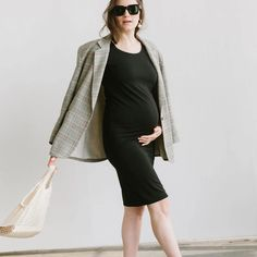 See all the maternity, nursing and parenthood products designed by Storq. Shop minimal, seasonless essentials, including the Storq Basics Bundle. Maternity Clothes First Trimester, Maternity Work Clothes, Pregnancy Wardrobe, Pregnancy Outfits, Pregnancy Style, Casual Maternity Outfits, Maternity Fashion, Casual Outfits, Spring Maternity