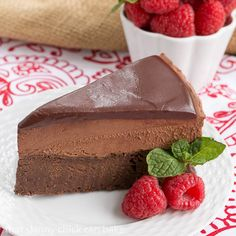 If you're looking for a swoon worthy chocolate dessert, I've got you covered with this sublime Frozen Chocolate Mousse Cake.