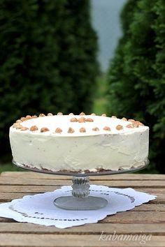 walnut cake Yummy Recipes, Yummy Food, Cupcake Cakes, Cupcakes, Walnut Cake, Baking, Desserts, Tasty Food Recipes, Delicious Food