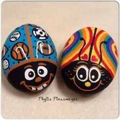 Ladybug rocks by phyllis plassmeyer lady bugg rox painted ro Pebble Painting, Pebble Art, Stone Painting, Rock Painting Ideas Easy, Rock Painting Designs, Stone Crafts, Rock Crafts, Ladybug Rocks, Ladybugs