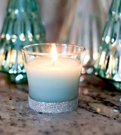 Today's super easy and fabulous party idea comes from Evite and Glade®! Add a touch of sparkle to a jar candle with this quick and easy glitter candle DIY. Easy DIY Glitter Candle Tutorial Materials: