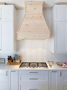 Kitchen Hood Design, Kitchen Vent Hood, Kitchen Redo, Kitchen Remodel, Wood Hood Vent, Kitchen Rustic, Range Hood Cover, Diy Hood Range, Wood Range Hoods