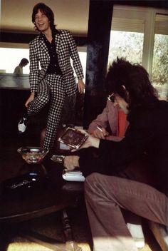 http://chicerman.com  dollsofthe1960s:  The suit is perfection.  #MENSUIT #TAILORSUIT