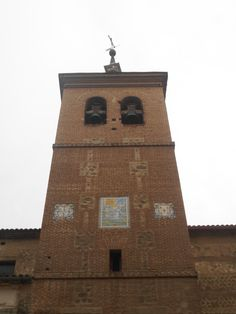 Iglesia de San Francisco.Torre de Estilo Mudejar decorada con cerámica