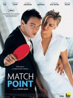 Match Point est un film de Woody Allen avec Jonathan Rhys Meyers, Scarlett Johansson. Synopsis : Jeune prof de tennis issu d'un milieu modeste, Chris Wilton se fait embaucher dans un club huppé des beaux quartiers de Londres. Il ne tarde pa