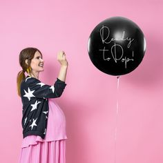 """Gender Reveal Giant 1 Metre Balloon Girl """"Ready to Pop"""" - large black 1 metre balloon with the inscription """"Ready to pop"""" in white writing on the side. This balloon is pre-filled with pink confetti for a girl gender reveal party. Gender Reveal Ballons, Confetti Gender Reveal, Gender Reveal Decorations, Décoration Baby Shower, Baby Shower Gender Reveal, Baby Gender, Shower Party, Baby Shower Balloon Decorations, Baby Shower Balloons"""