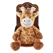 Cozy Hottie Peluche Girafa Aroma Home, peluche com a figura de uma girafa. Feito com a mais alta qualidade de tecidos macios. Contém no interior lavanda perfumada para um cheiro suave. Vai ao microondas para que possa ser aquecido para aquecer o corpo do seu pequeno. Envolve um agradável cheirinho com calor para um sono mais tranquilo.