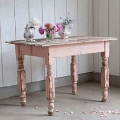 pink chippy table love