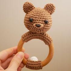 Hochet en bois Anneau de dentition avec un ours en crochet   Etsy