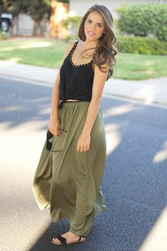 What to wear with a olive green maxi skirt – Modern skirts blog ...