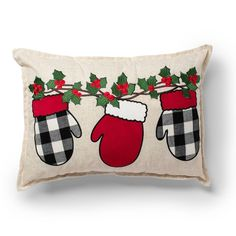Red Throw Pillows, Diy Pillows, Decorative Throw Pillows, Pillow Crafts, Diy Pillow Covers, Colorful Pillows, Christmas Applique, Plaid Christmas, Christmas Stockings