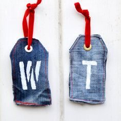 Repurpose your old jeans into some monogrammed denim gift tags. These tags become a gift in themselves.