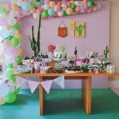 Decor cactus para meninas. Regrann from @lulifestaseeventos - A Lara está chegando, então produzimos um chá super fofo para esta família… Llama Birthday, Happy Birthday Me, Llama Decor, Cactus, Adult Party Themes, Partying Hard, Tropical, Baby Shower, Table Decorations