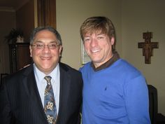 """Vox Cantoris: Michael Voris declares his past homosexual sins - New York Archdiocese was planning to """"out"""" him! Eucharist, Pissed Off, Priest, New York, How To Plan, News, Celebrities, Target, Places"""