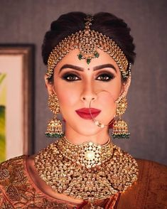 Summers are here and so is your wedding! If you want to look a stunning bride then you must try these style and makeup tips that are suggested by best makeup artists in Jaipur. Best Bridal Makeup, Indian Bridal Makeup, Wedding Makeup Looks, Bride Makeup, Wedding Looks, Bridal Looks, Wedding Set, Wedding Bells, Wedding Bride